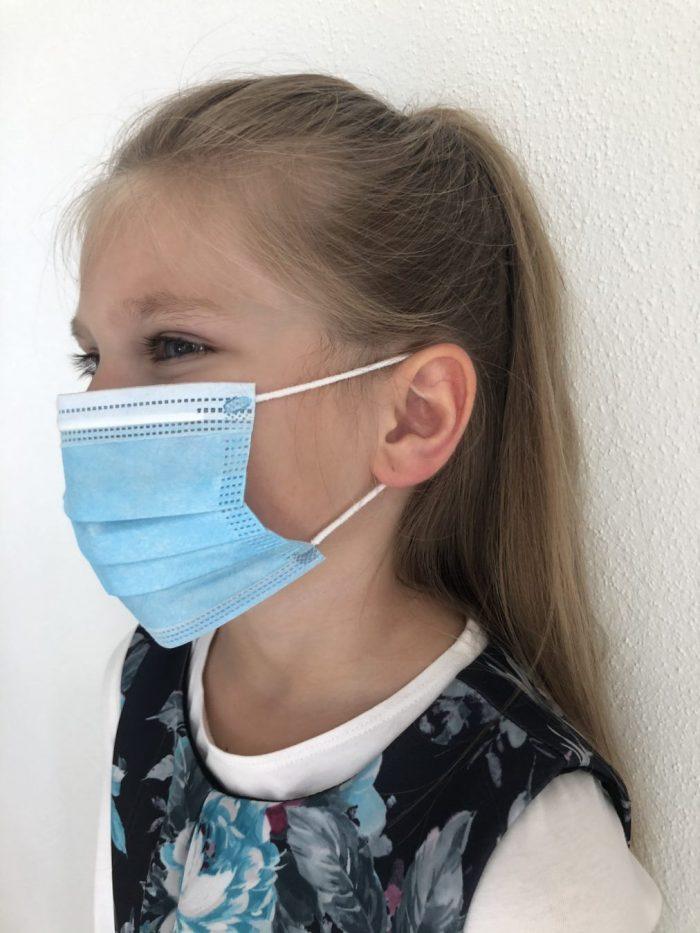 Kinderschutzmasken-Portrait-activeshop.at-1-Einwegmaske KinderDisposible masks for chidren 4 to12 years